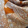 Stola_orangebraun_bestickt_talking_textiles_2