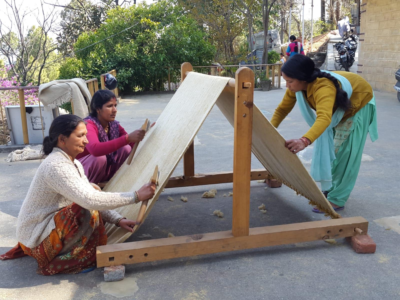 Weberinnen im Himalaya
