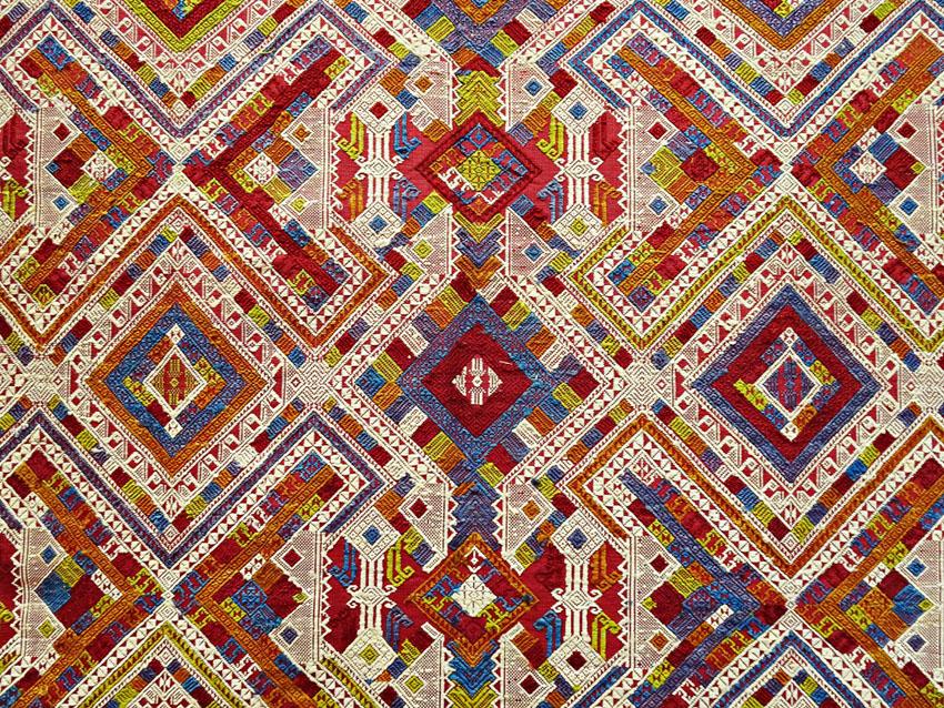Gewebte Tradition: Textilien aus Houaphan, Laos