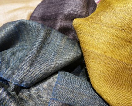 Schals aus Goldseide