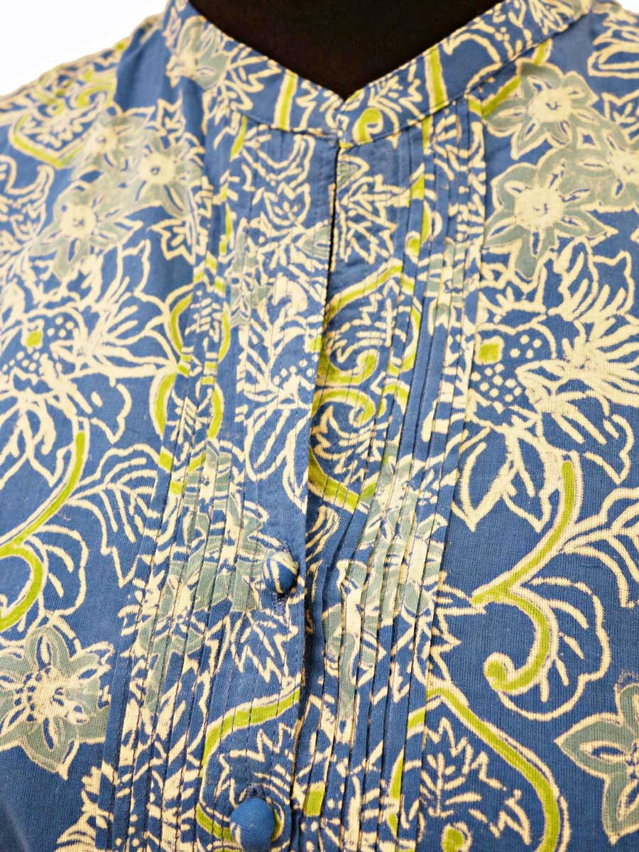 Bluse blau grün Detail