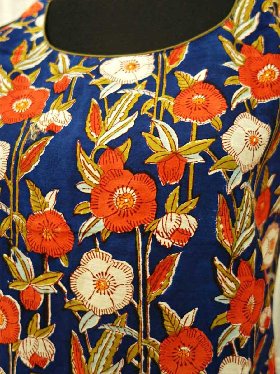 Kleid Blumen blau Detail