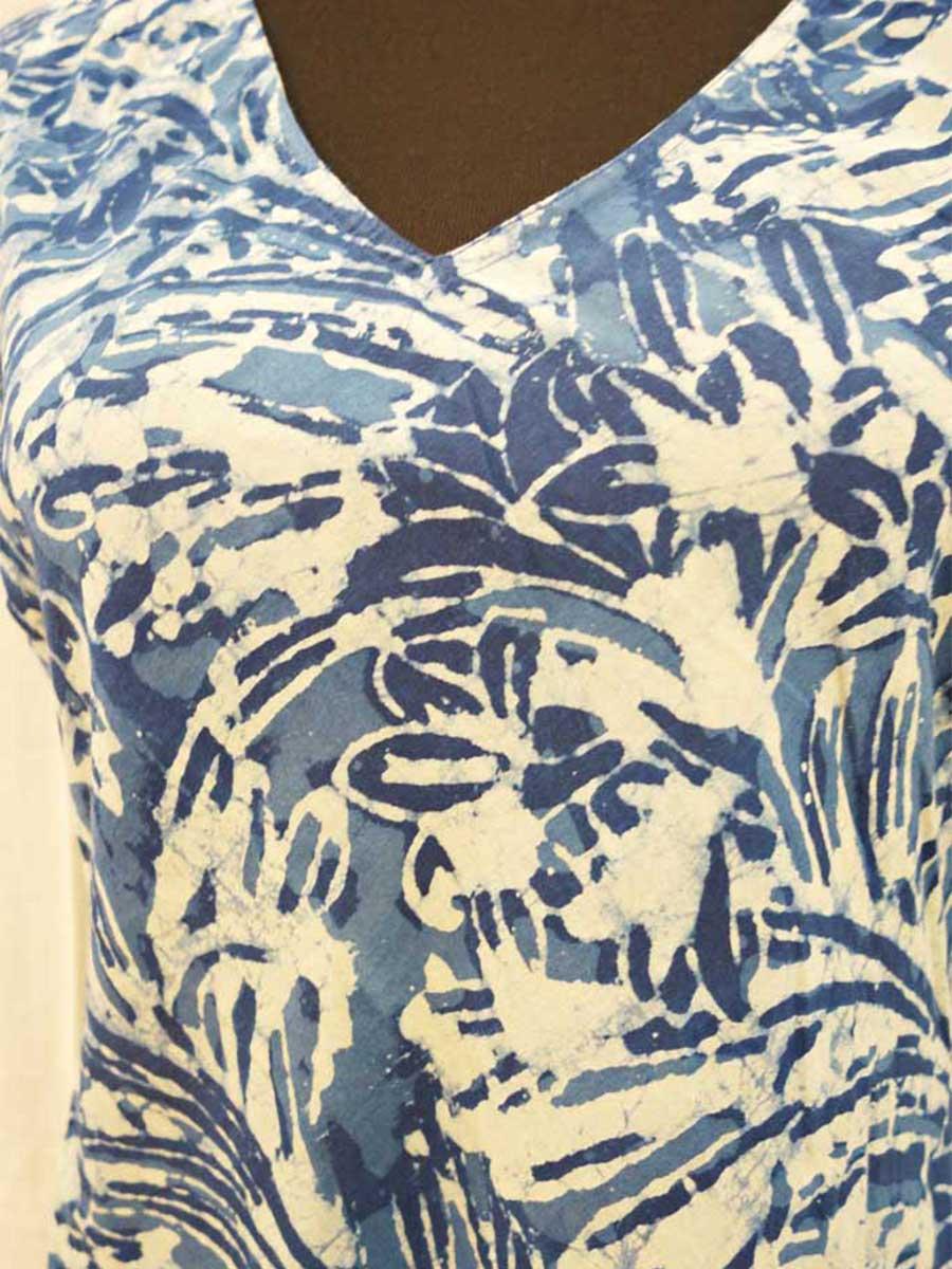 Kleid blau gemustert Detail