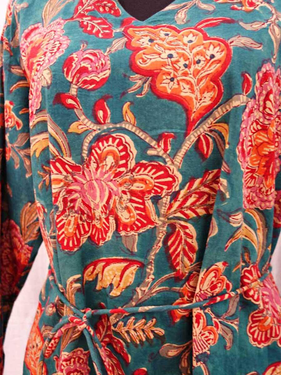 Kleid Blumen Detail